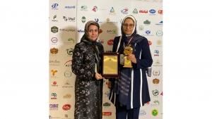 داورسازی باریج اسانس موفق به دریافت تندیس زرین چهارمین دوره جشنواره ملی صنعت سلامت محور گردید